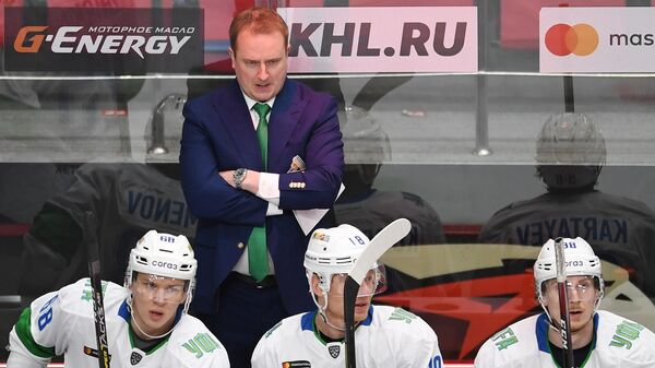 Главный тренер Салавата Юлаева Томи Лямся и игроки клуба