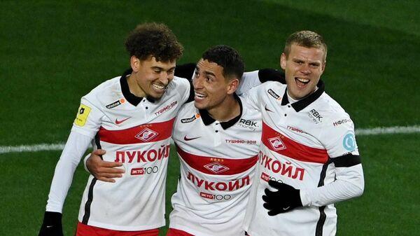 Игроки Спартака Джордан Ларссон, Эсекьель Понсе и Александр Кокорин (слева направо)