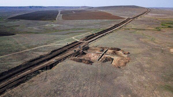Раскопки на территории строящегося тракта водоподачи в Феодосию и Керчь