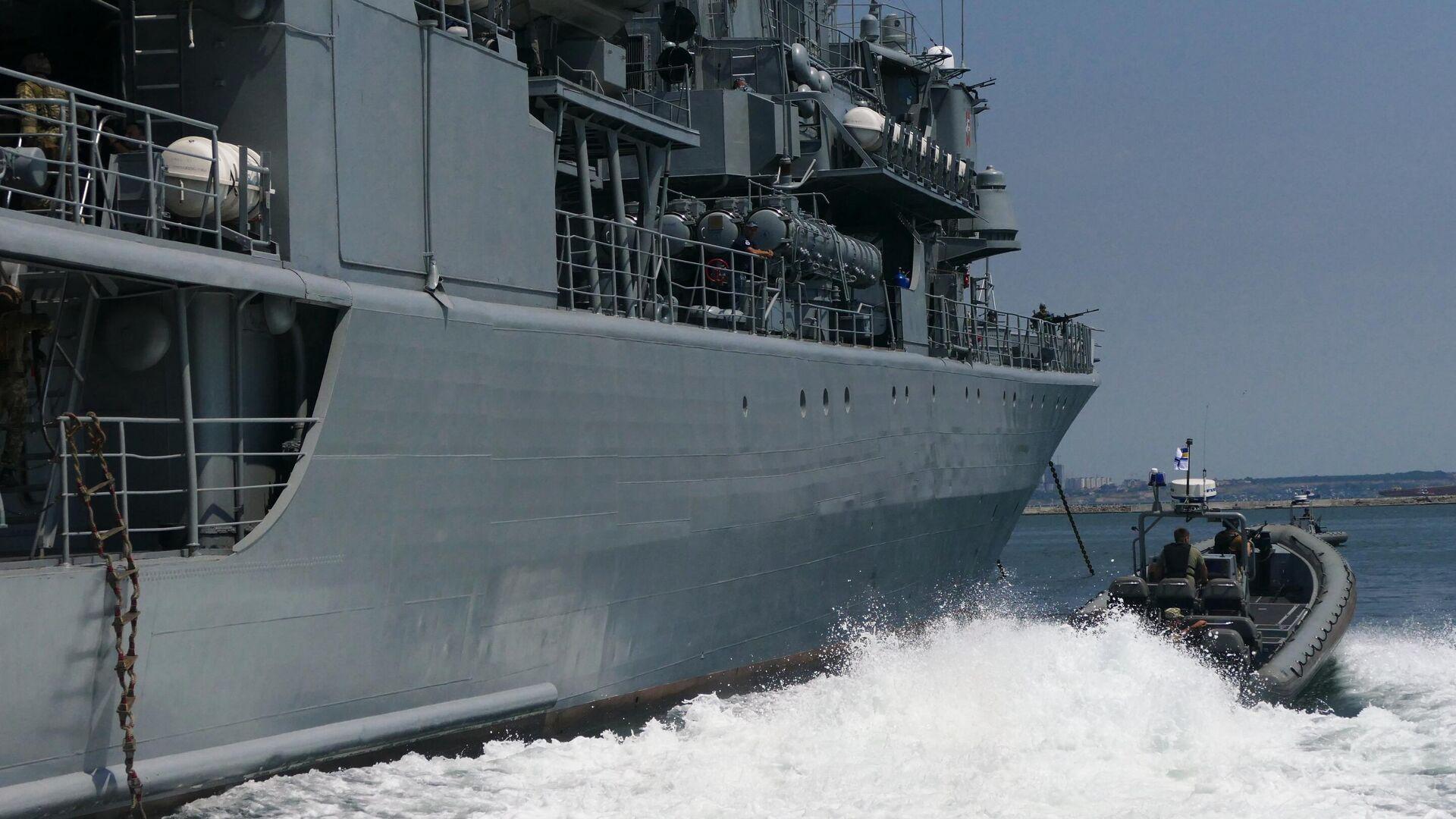 Военнослужащие армии Украины отрабатывают действия против захвата кораблей в Черном море - РИА Новости, 1920, 01.12.2020