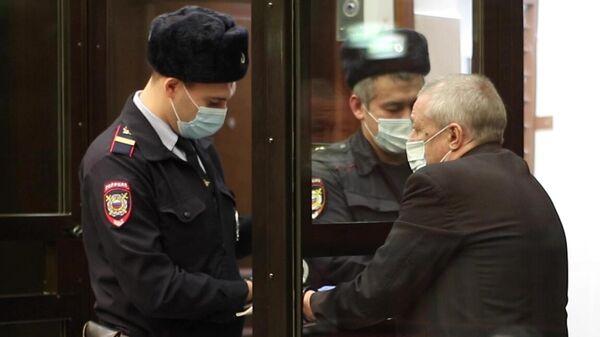 Актер Михаил Ефремов в зале заседаний Московского городского суда