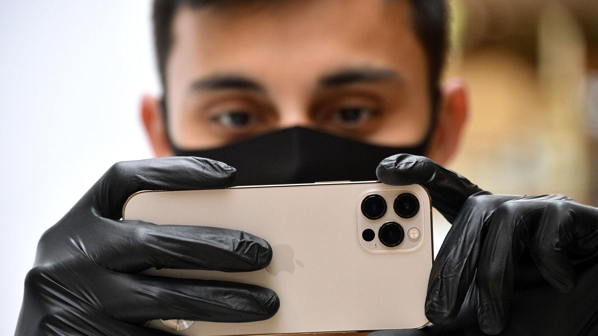 Asus разрабатывает новый смартфон с поворотной камерой