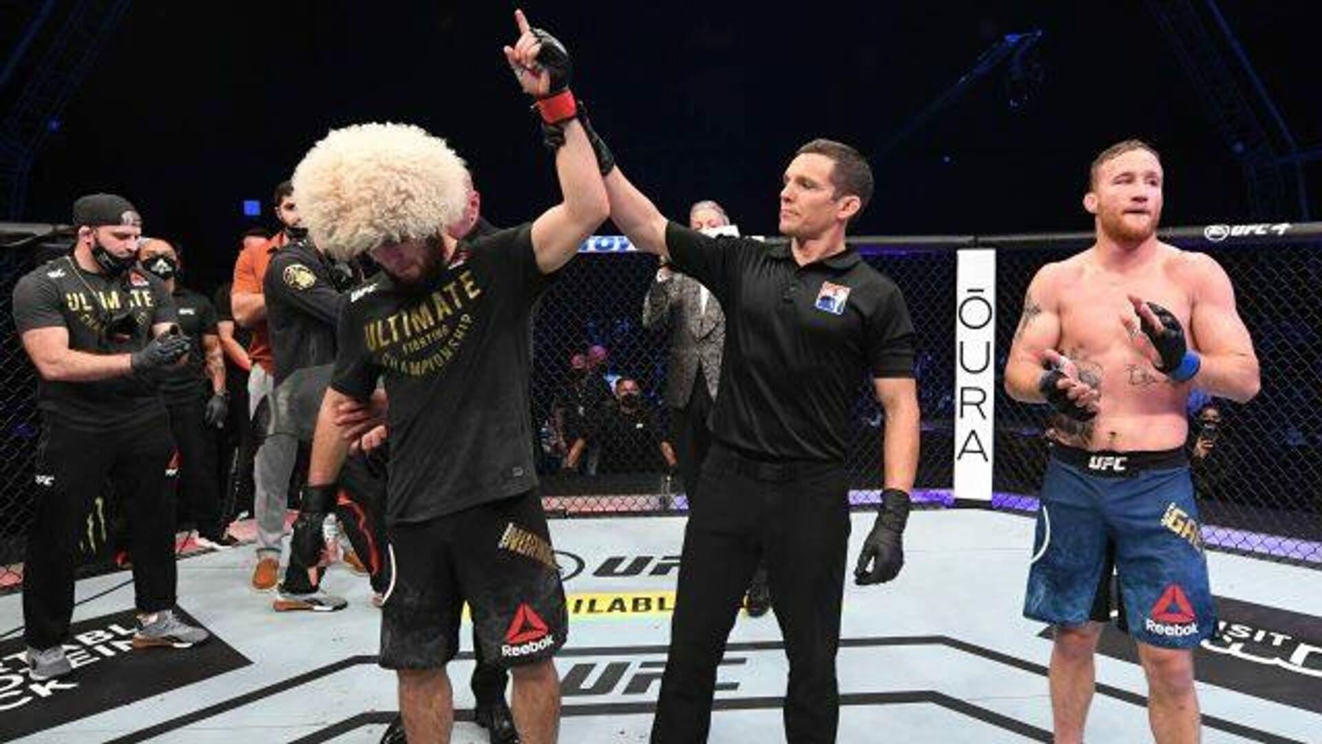 Хабиб Нурмагомедов защитил титул чемпиона UFC и ушел из большого спорта - РИА Новости, 1920, 26.10.2020