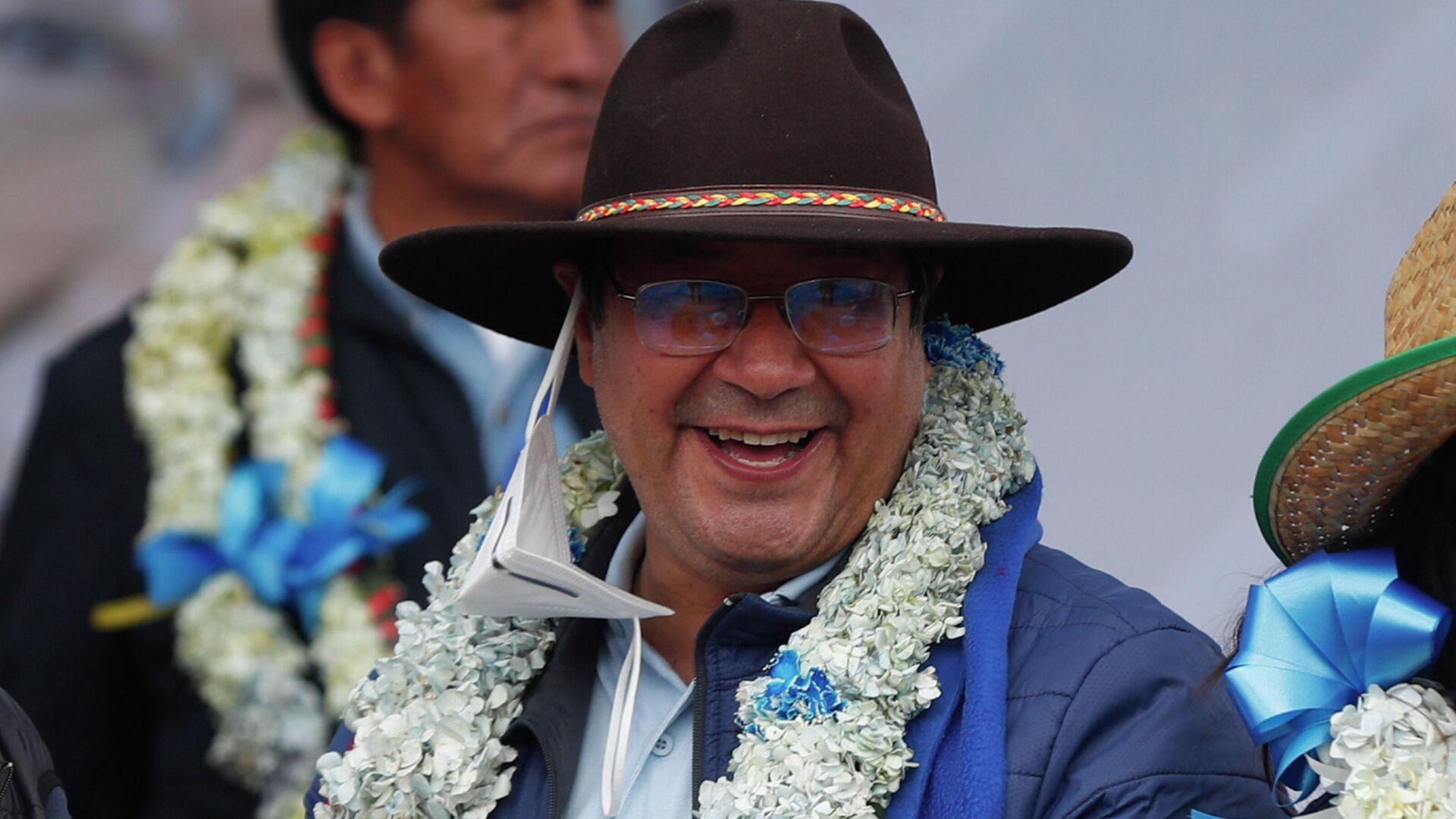 Новоизбранный президент Боливии Луис Арсе после объявления окончтельного результата официального подсчета голосов - РИА Новости, 1920, 26.10.2020