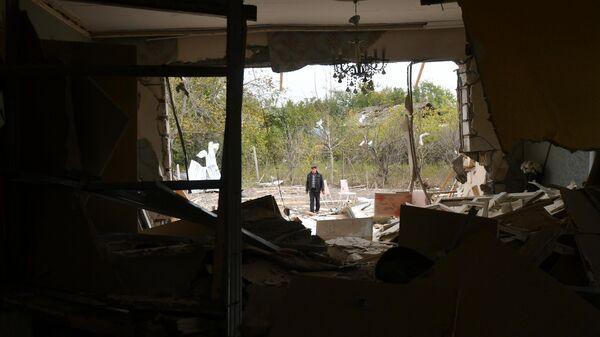 Последствия обстрела в селе Дуярли Тертерского района в Азербайджане