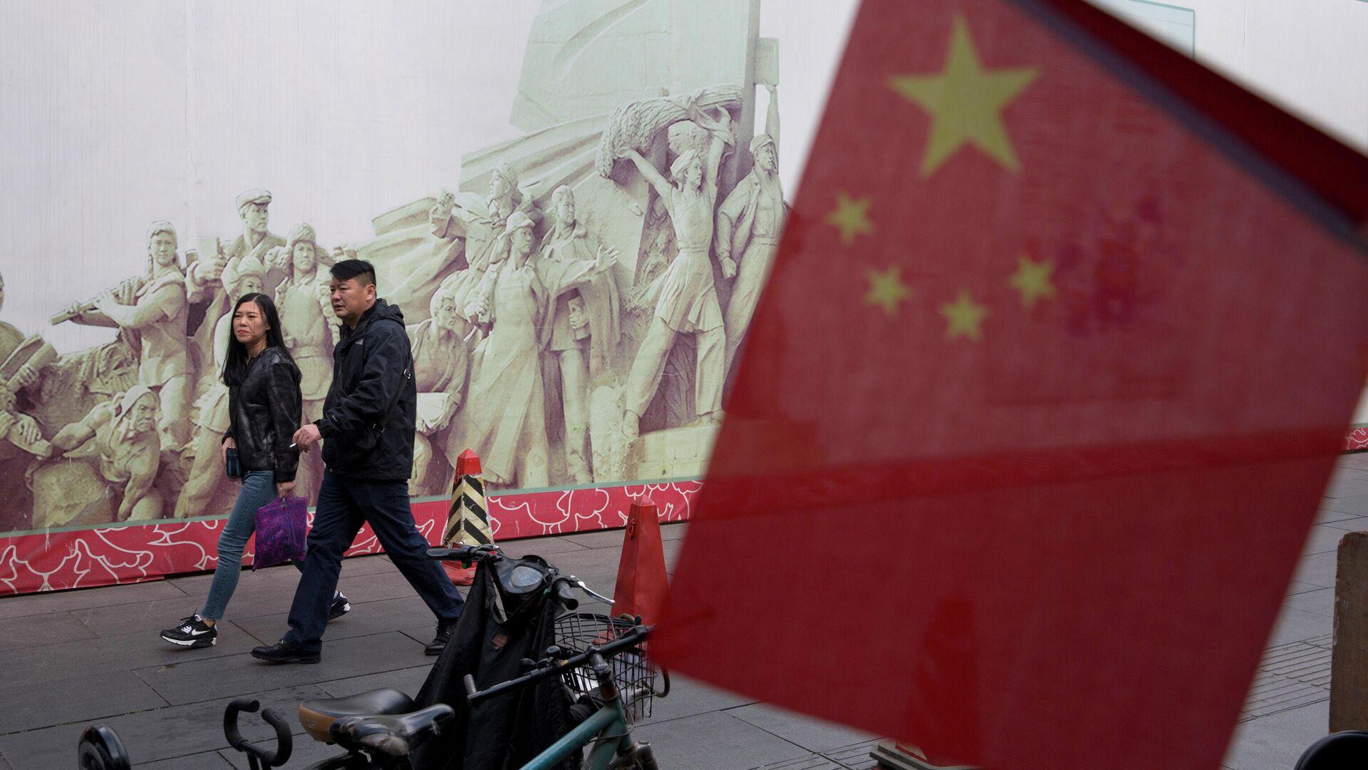 Покупатели в торговом центре в Пекине, КНР - РИА Новости, 1920, 07.03.2021