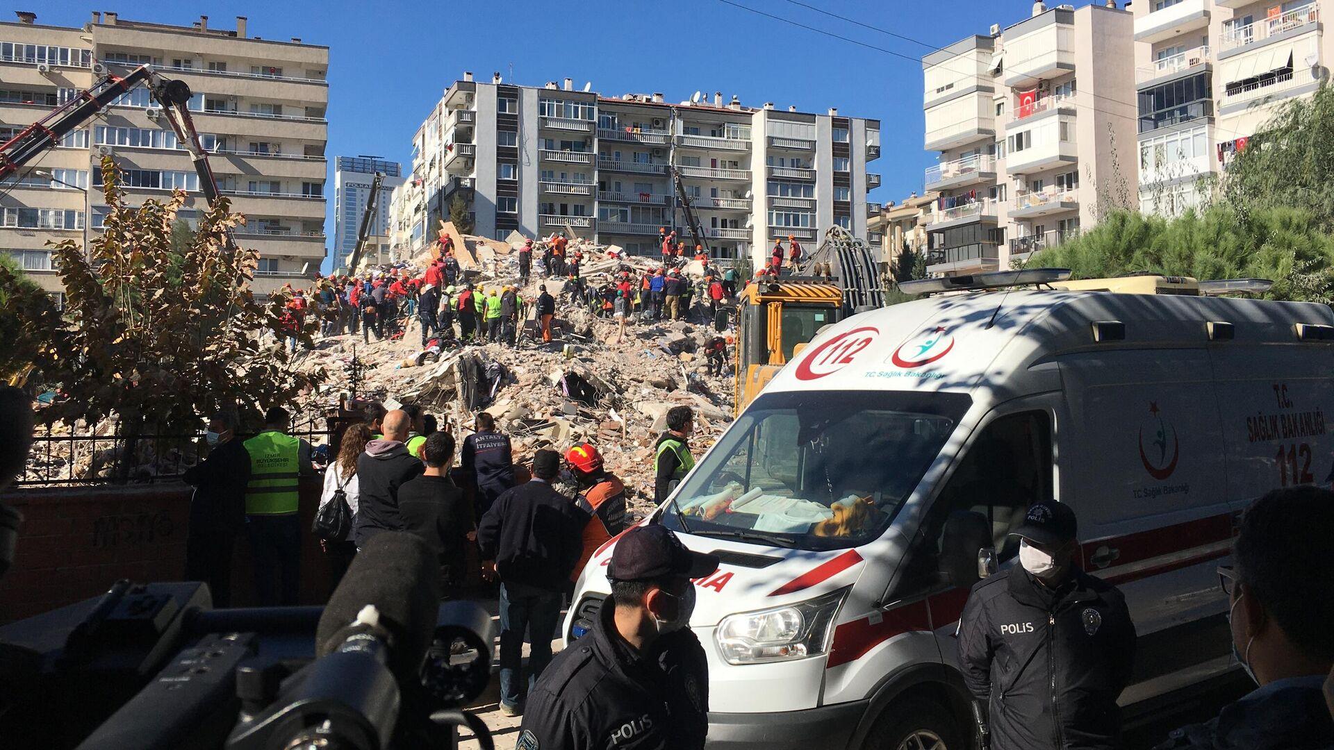 Ликвидация последствий землетрясения в Измире, Турция - РИА Новости, 1920, 31.10.2020
