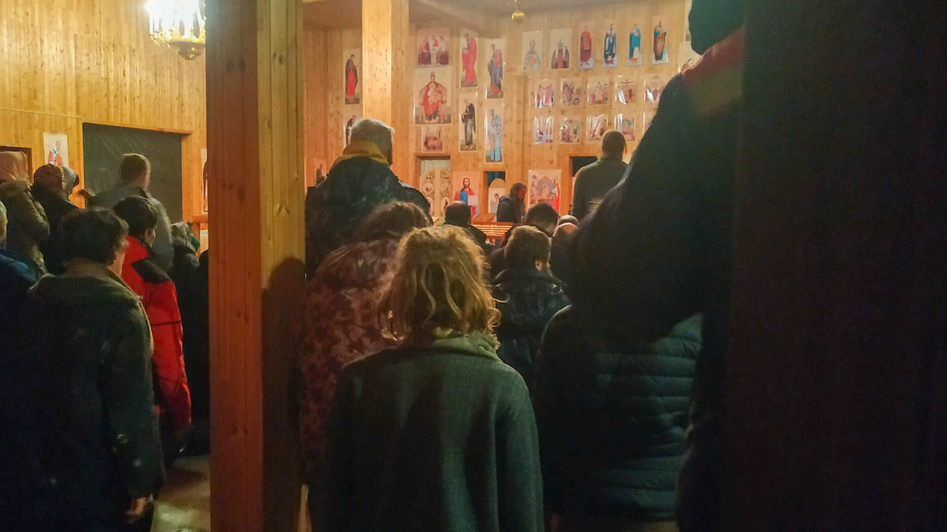 Ночная служба в храме Царя-мученика Николая в Чихачево - РИА Новости, 1920, 03.11.2020