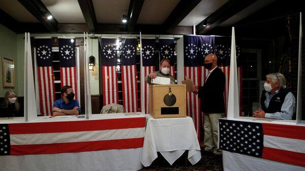 Голосование на президентских выборах в США в отеле Balsams в поселке Диксвилл-Нотч в штате Нью-Гэмпшир