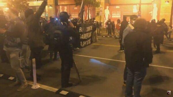 Выборы в США: протестующие прошли по улицам Вашингтона