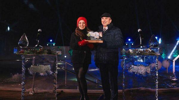 Губернатор Тюменской области Александр Моор и глава Ростуризма Зарина Догузова во время торжественной церемонии открытия сезона термальных вод