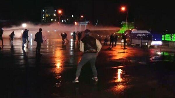 Стычки митингующих с полицией в Тбилиси. Кадры МВД Грузии