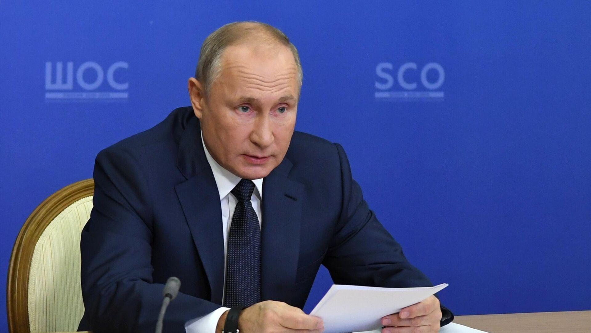 Путин призвал страны АТР сплотиться перед угрозами