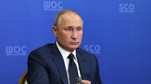 Президент РФ Владимир Путин проводит в режиме видеоконференции заседание Совета глав государств - членов ШОС