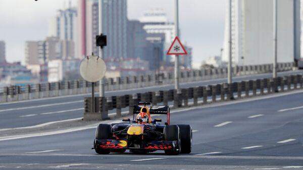 Пилот Ред Булл Александер Албон на Гран-при Турции Формулы-1