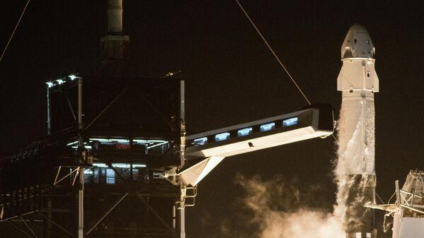 Старт ракеты Falcon 9 с кораблем Crew Dragon к МКС. 15 ноября 2020