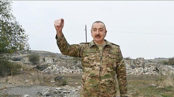 Президент Азербайджана Ильхам Алиев во время посещения Физулинского и Джебраильского района