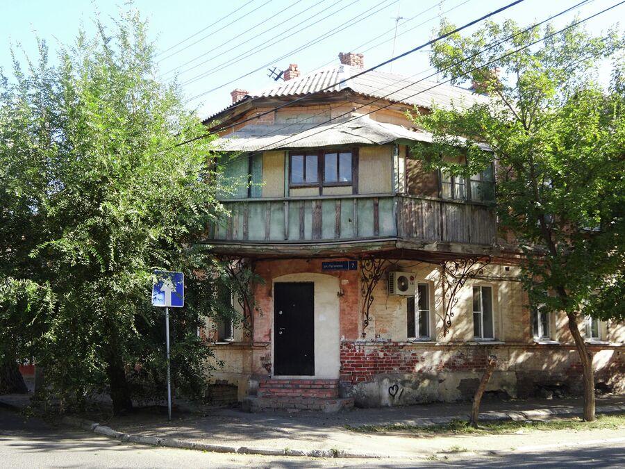 Дом жилой с лавками Фадеева (конец 19 в.)