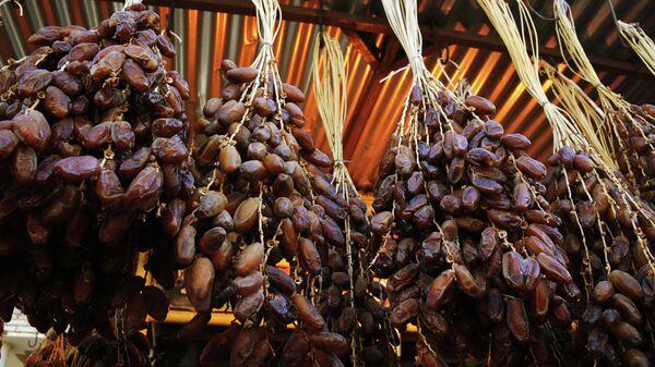 Финики на тунисском рынке