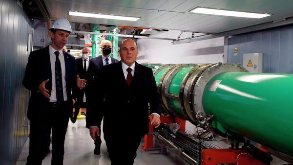 Председатель правительства РФ Михаил Мишустин во время посещения Объединенного института ядерных исследований в Дубне