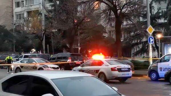 Кадры с места захвата заложников в Тбилиси