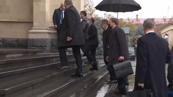 Прибытие делегации Правительства РФ в Резиденцию Президента Армении