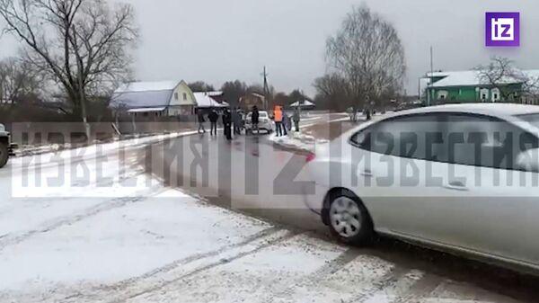 Скриншот видео, на котором запечатлен подозреваемый в похищении семилетнего ребенка во Владимирской области