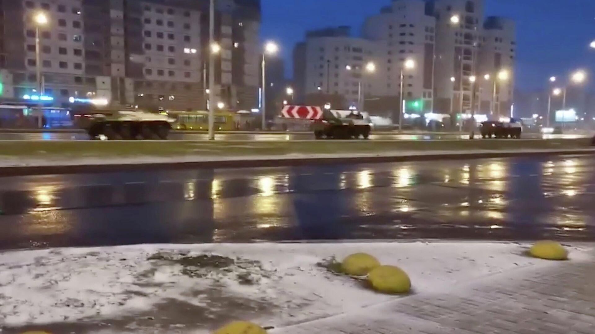 Силовики пресекли сбор оппозиции у станции метро в Минске