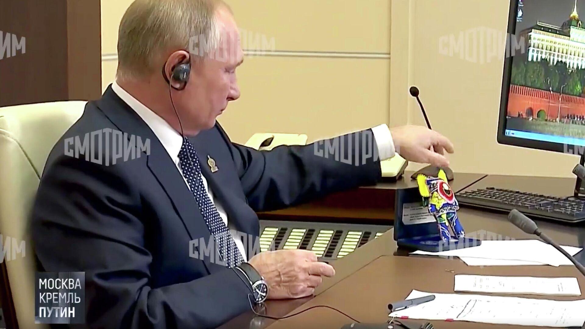 Журналистам впервые показали комнату отдыха в резиденции Путина