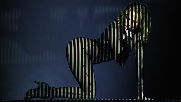 Дженнифер Лопес выступает на премии American music awards 2020