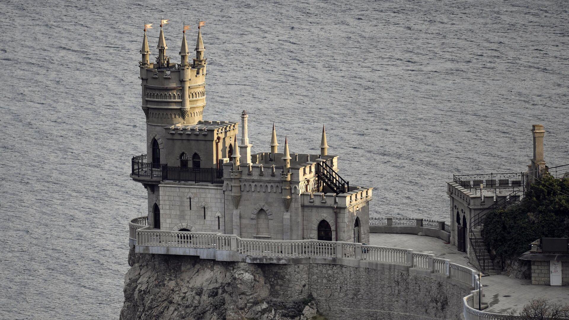 Завершена реконструкция дворца-замка Ласточкино гнездо вблизи Ялты - РИА Новости, 1920, 25.01.2021