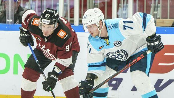 Сибирь - Динамо (Рига) в матче регулярного чемпионата КХЛ