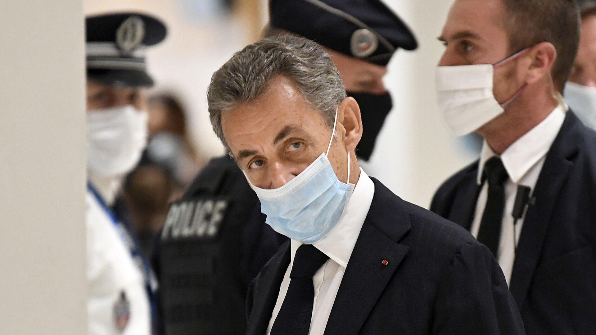 Бывший президент Франции Николя Саркози в здании суда  - РИА Новости, 1920, 28.11.2020