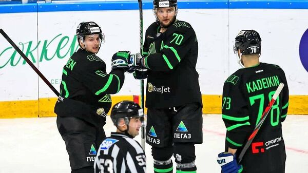 Хоккеисты Салавата Юлаева в матче КХЛ