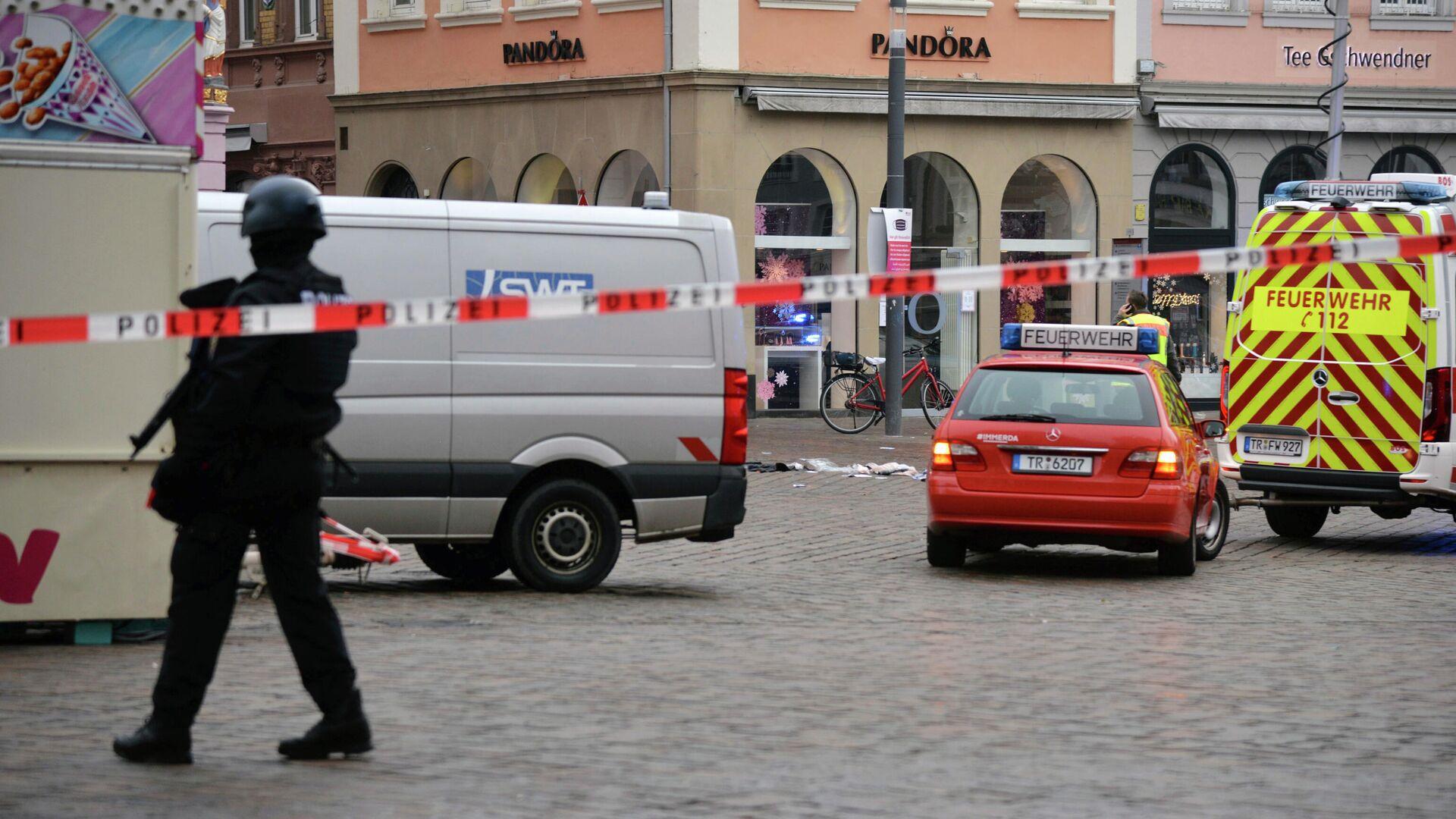 """Власти Трира заявили, что водитель въехал в пешеходов """"в приступе ярости"""" -  РИА Новости, 01.12.2020"""
