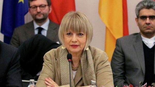 Хельга Шмид