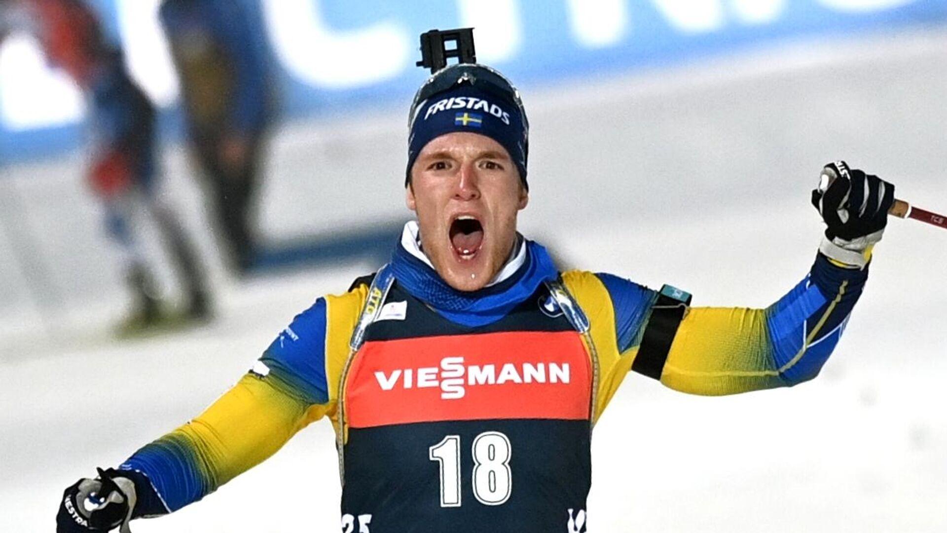 Себастиан Самуэльссон (Швеция) на финише гонки преследования среди мужчин на II этапе Кубка мира по биатлону сезона 2020/21 в финском Контиолахти.  - РИА Новости, 1920, 11.02.2021
