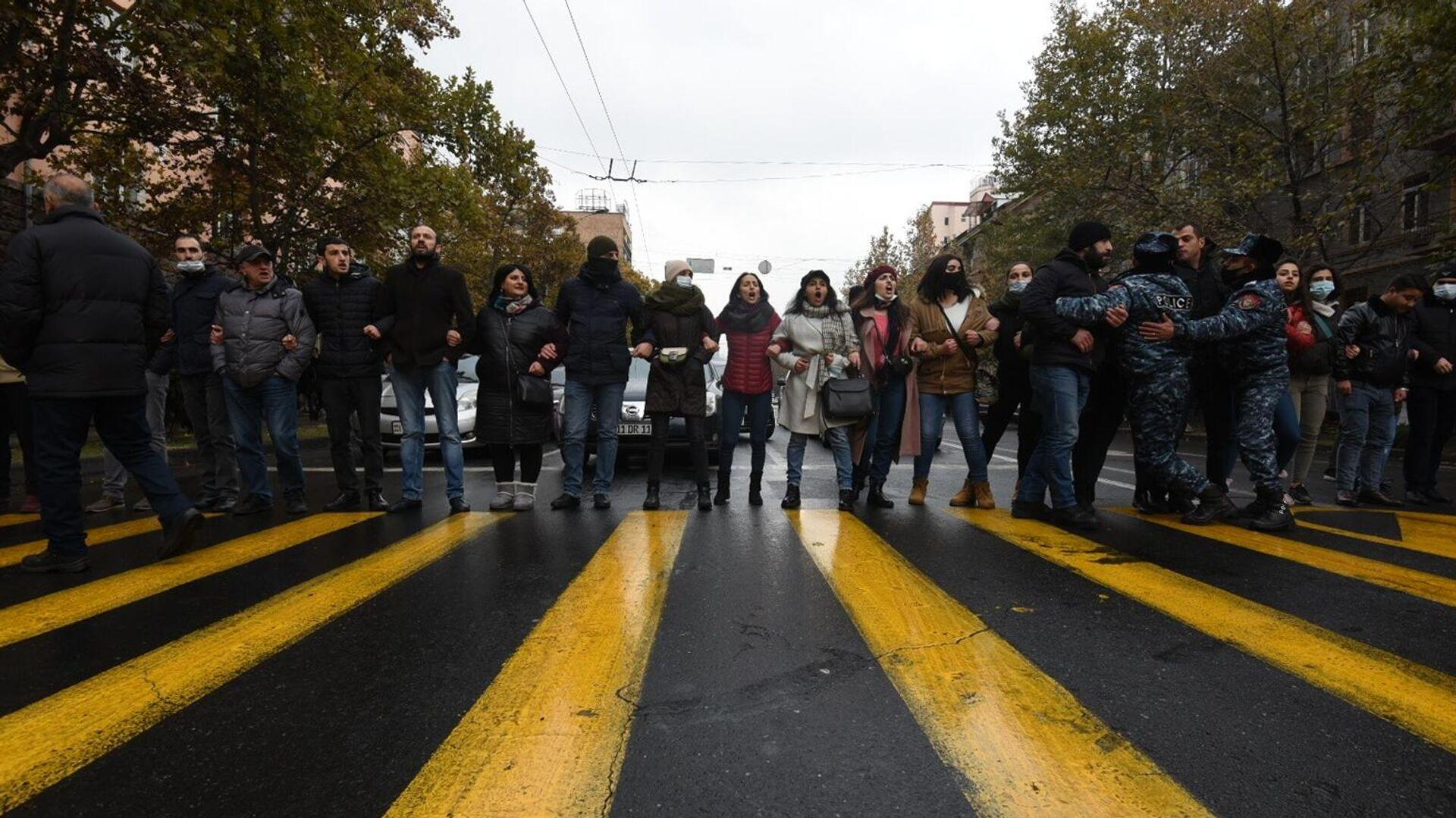 Акция протеста оппозиции в Ереване. 8 декабря 2020 - РИА Новости, 1920, 08.12.2020