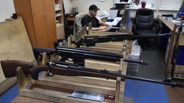 Винтовка ORSIS Hunter, универсальный тактический самозарядный карабин ORSIS-K15 Брат и снайперская винтовка Т-5000 в отделе ОТК компании ORSIS в Москве