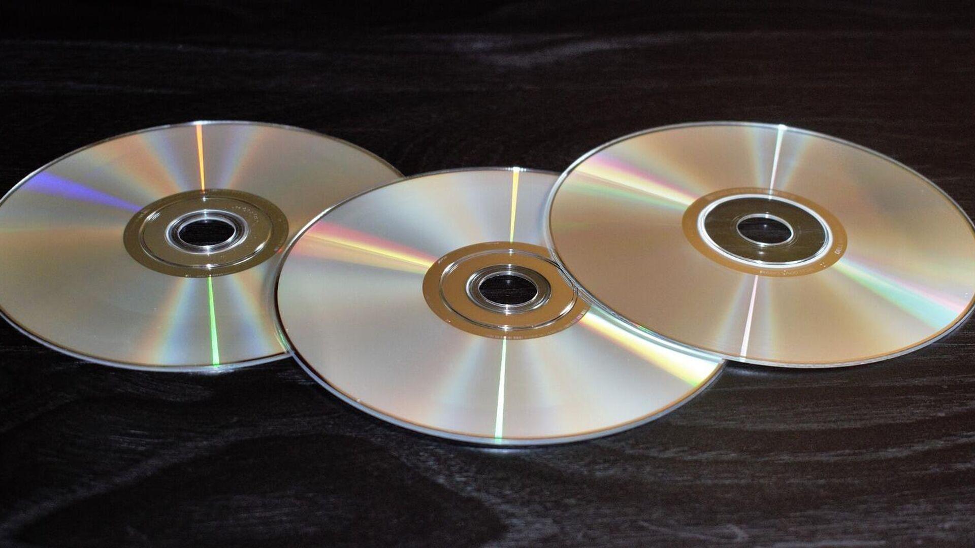 Автосалон вынудил россиянина купить компакт-диск за 140 тысяч рублей