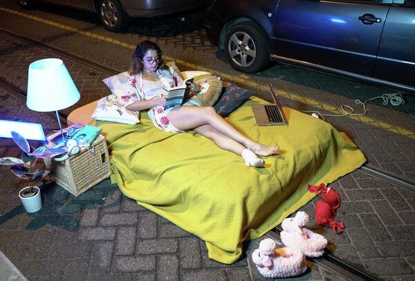 Художница Сайна Солейманпур во время перформанса против домашнего насилия в Стамбуле
