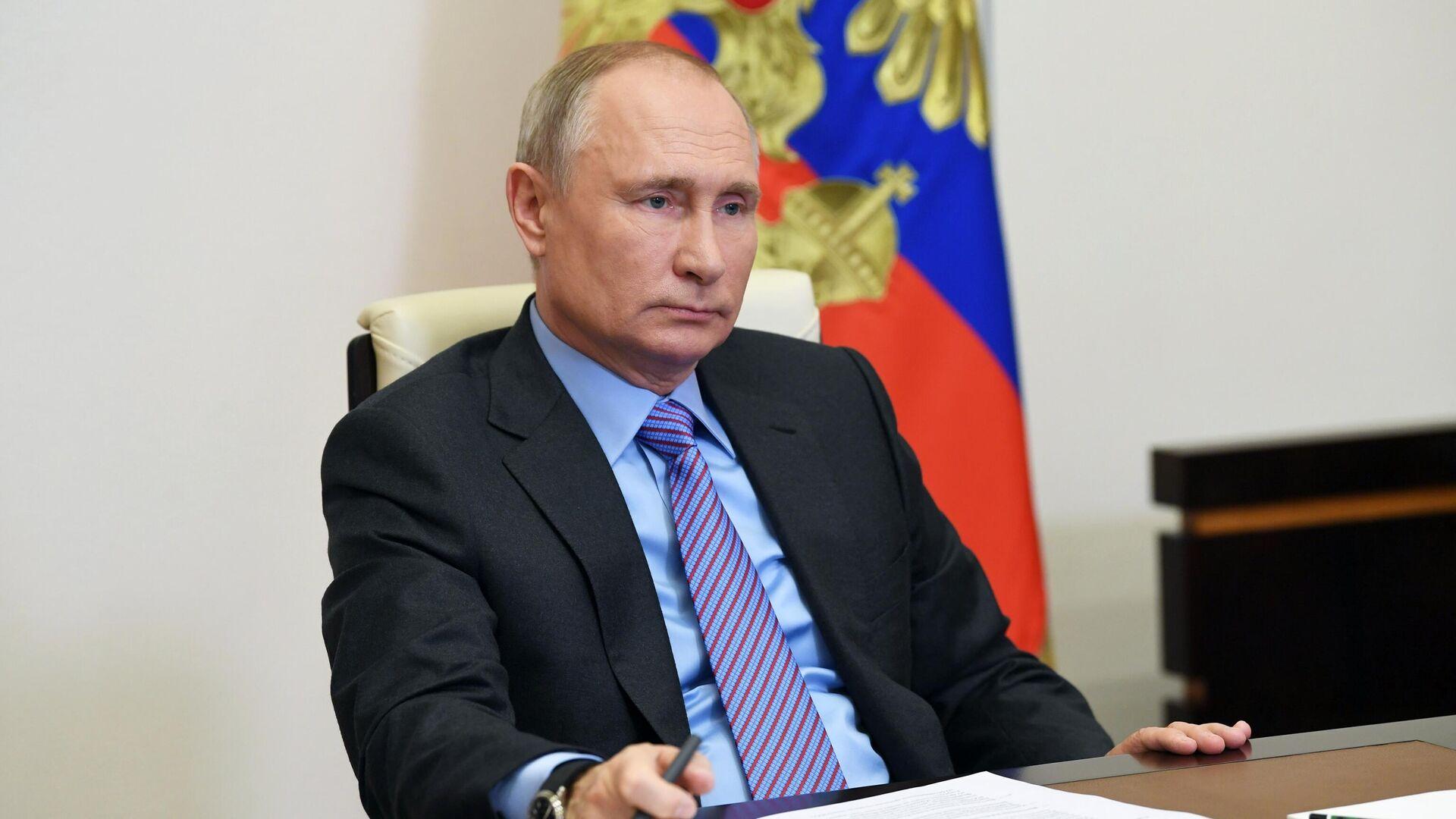 Путин проведет в понедельник международные телефонные разговоры