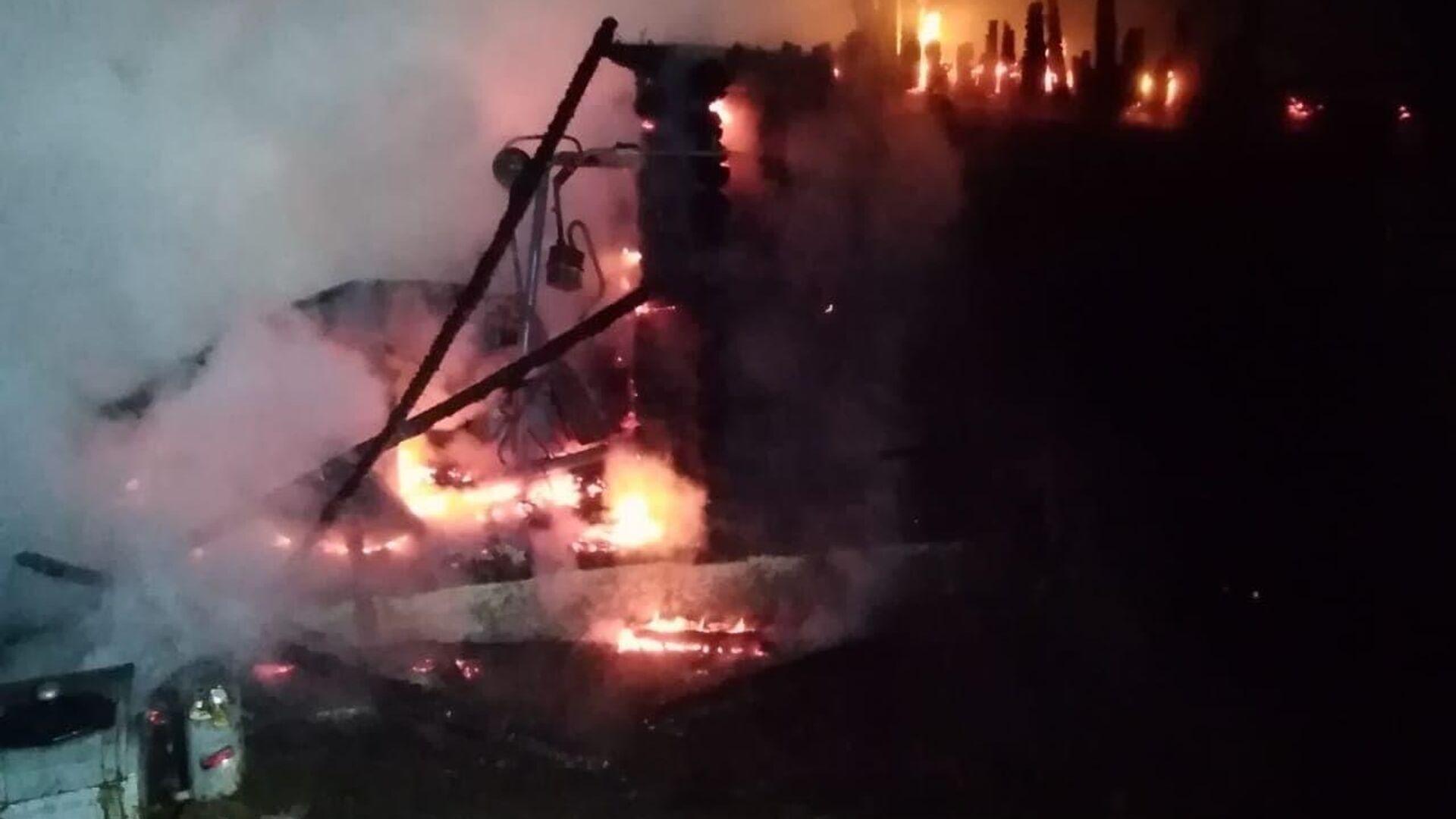 Пожар в доме престарелых в Абзелиловском районе Башкирии - РИА Новости, 1920, 14.07.2021