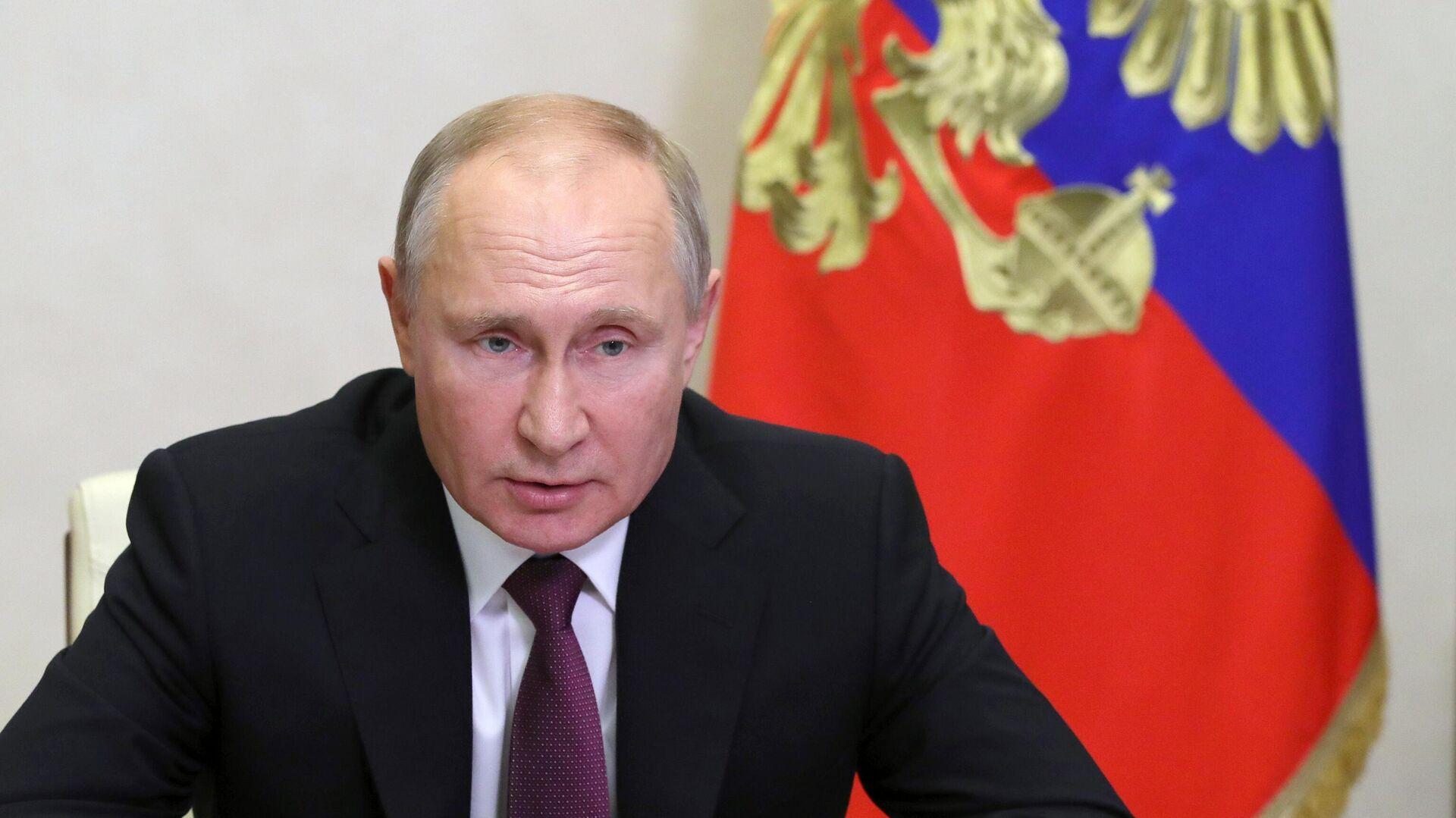 """Путин подписал закон о практике """"одного окна"""" во внешней торговле"""