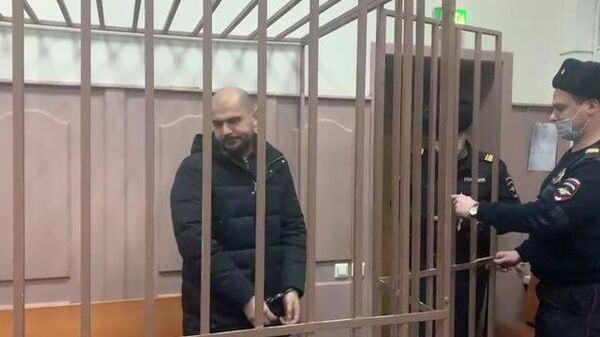 В суд доставили обвиняемого в фальсификации доказательств экс-следователя СК Агаджаняна