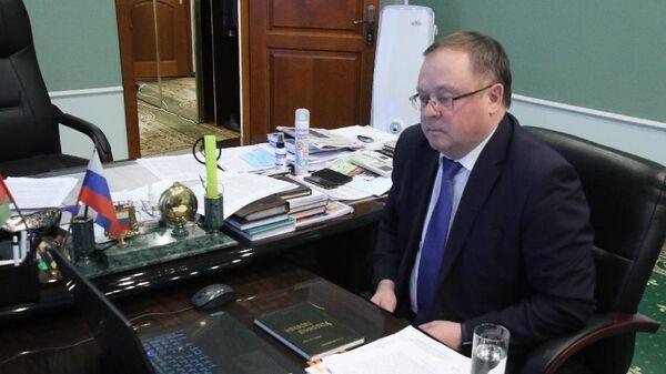 Председатель Липецкого облсовета Павел Путилин на заседании президиума Совета законодателей РФ