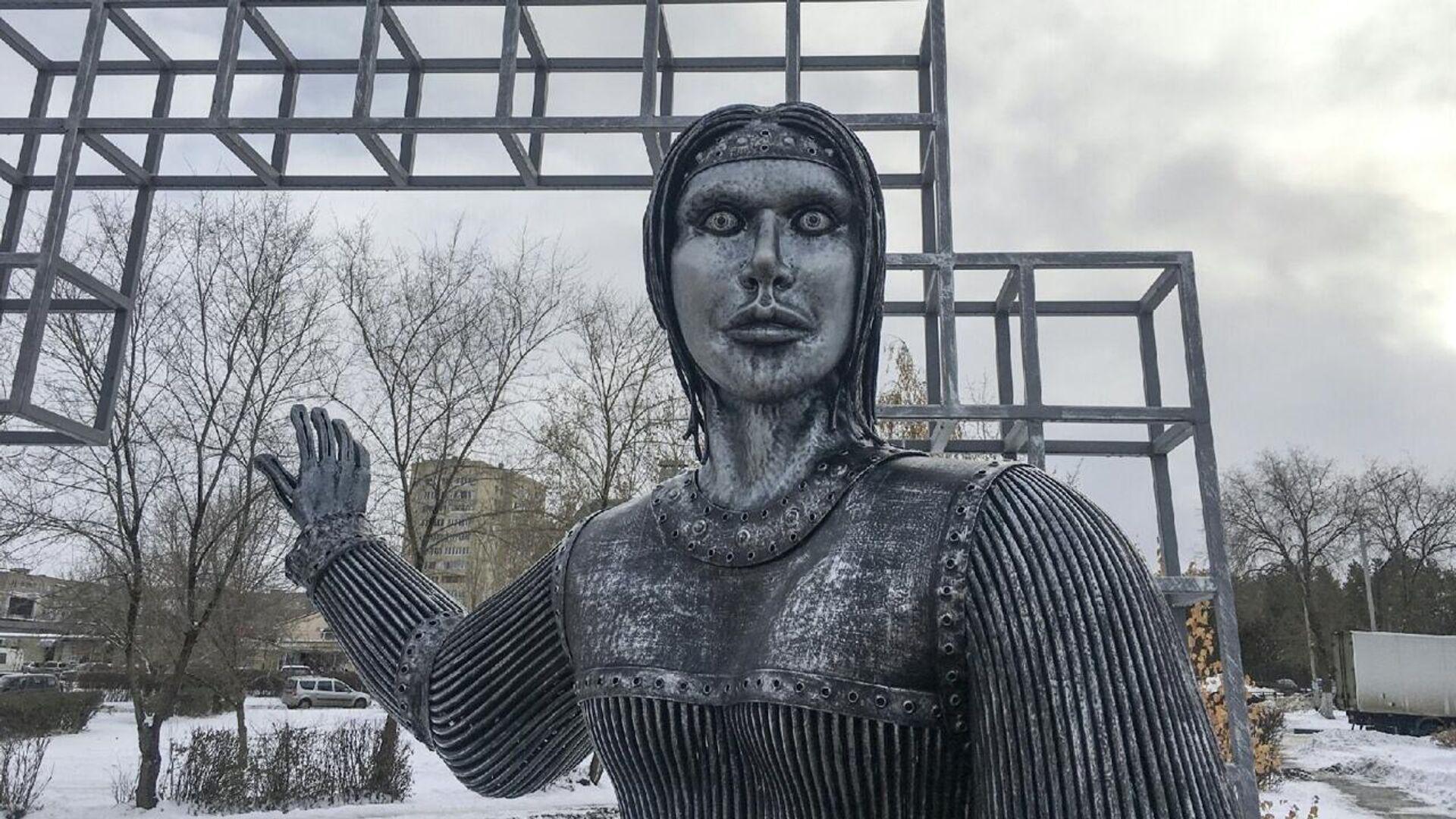 Памятник Аленке в Нововоронеже - РИА Новости, 1920, 24.12.2020