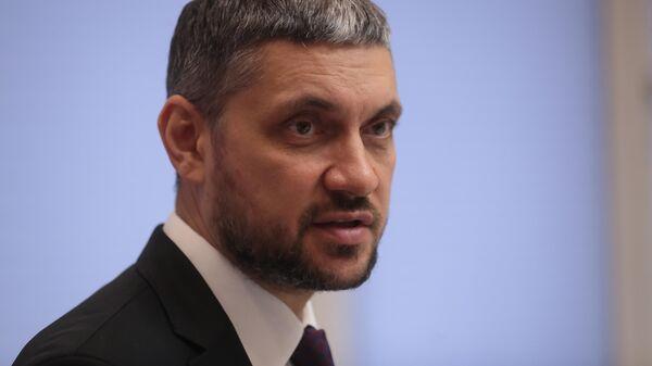 Губернатор Забайкальского края Александр Осипов во время интервью РИА Новости