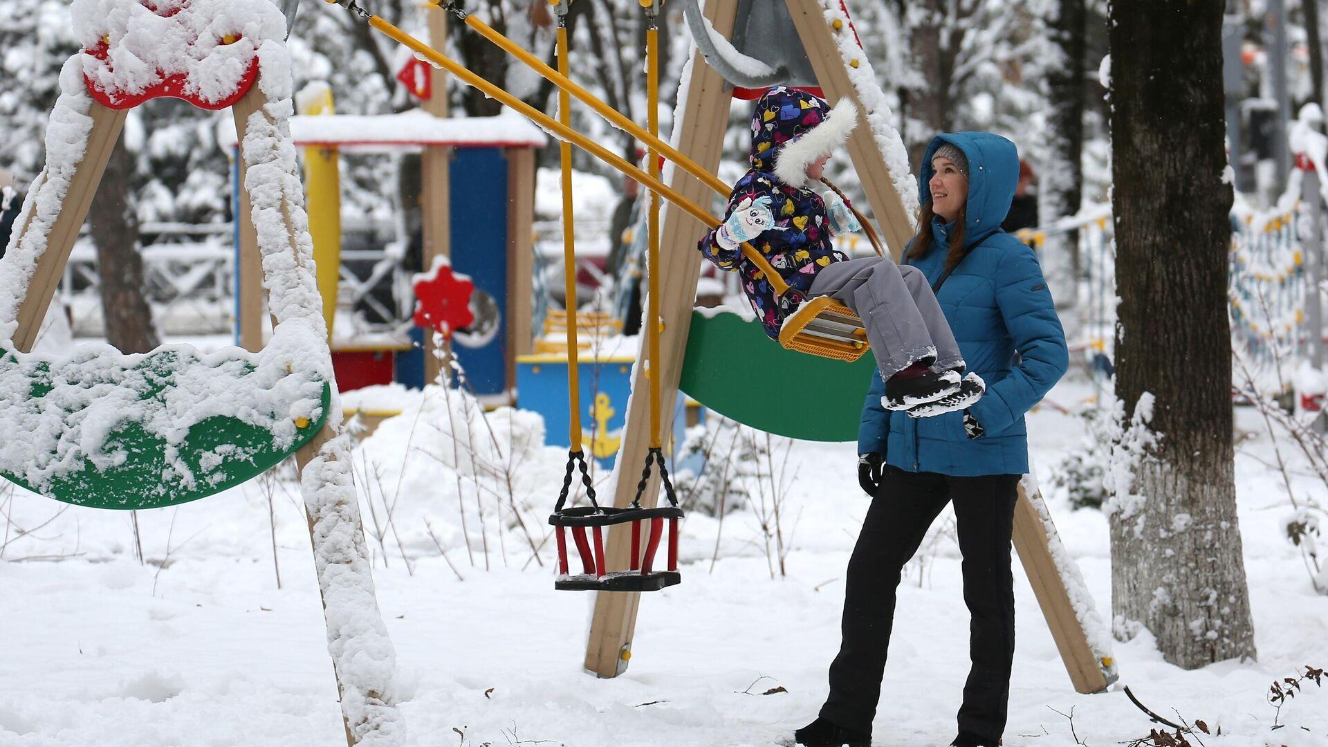 Путин объяснил рекордное количество заявок на новогодние выплаты на детей