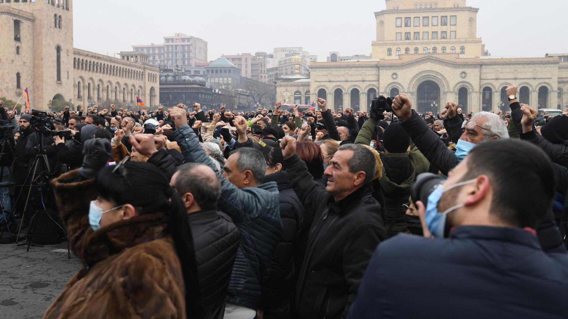 В Ереване протестующие готовятся к более решительным действиям